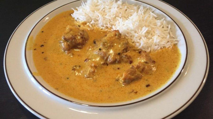 Kadhi: Joghurt-basiertes indisches Curry