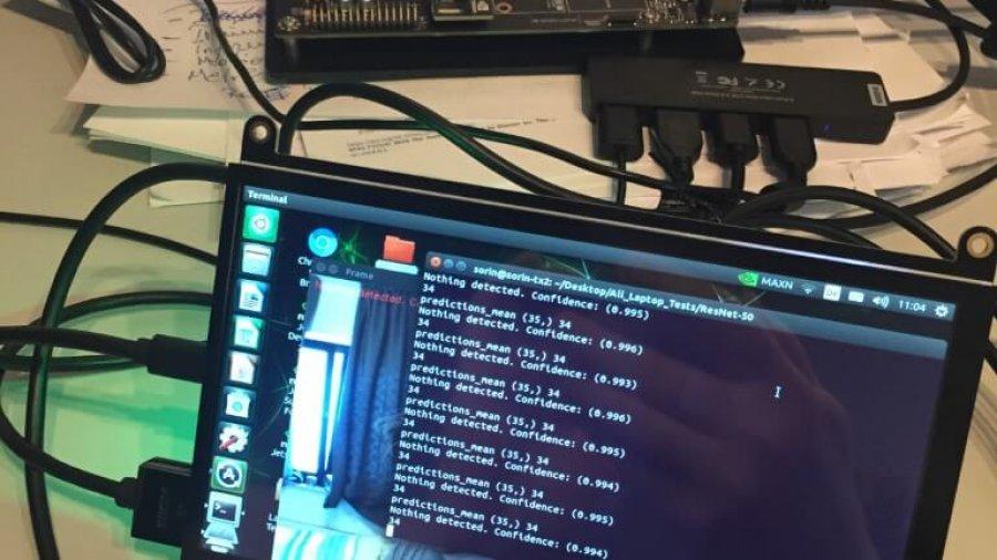 Tragbares Digitaldisplay für meinen Nvidia Jetson TX2